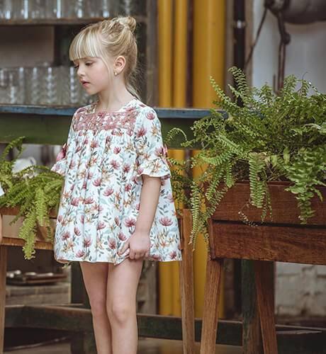 Vestido niña estampado flores rosa & mangas midi de Yoedu | Aiana Larocca