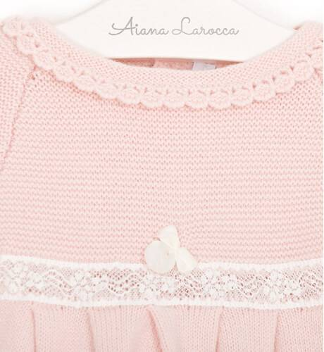 Vestido punto rosa detalle valencie de Martín Aranda | Aiana Larocca