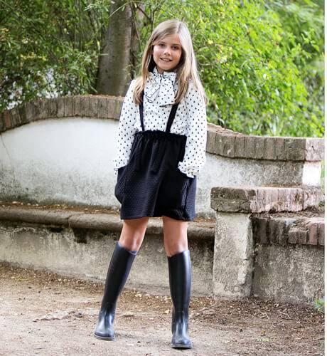 Conjunto camisa falda negra con tirantes de Eve Children | Aiana Larocca