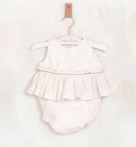 Conjunto bebé color crudo de Nekenia | Aiana Larocca