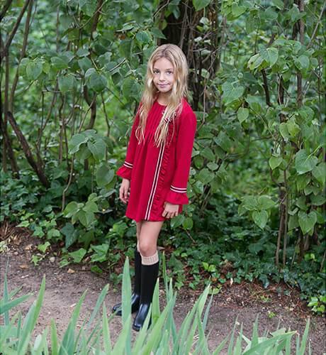 Vestido niña rojo detalle volante y lazo de Yoedu | Aiana Larocca