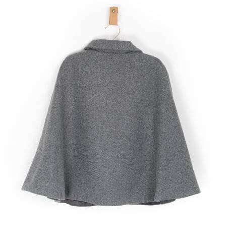 Capa gris de Dolce Petit | Aiana Larocca