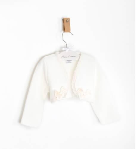 Bolero bebé crudo puntillita y lacito de Rochy | Aiana Larocca