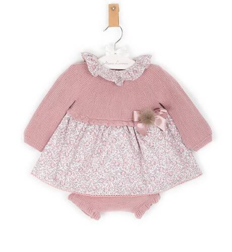 Jesusito bebe florecitas combinado punto rosa de Punto Solita | Aiana Larocca