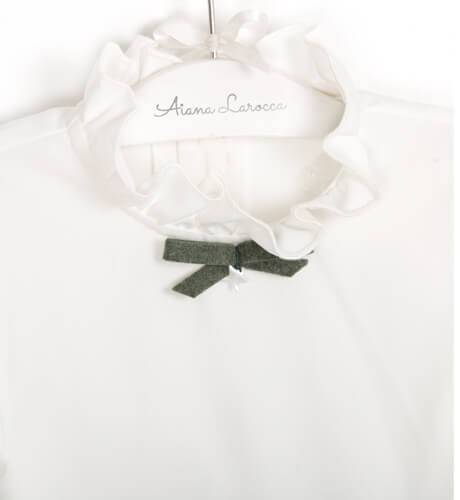 Conjunto Camisa blanca volantes y pantalón verde de Eve Children | Aiana Larocca