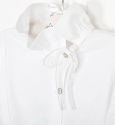 Conjunto niña camisa blanca short y jersey marino de Coco Acqua | Aiana Larocca
