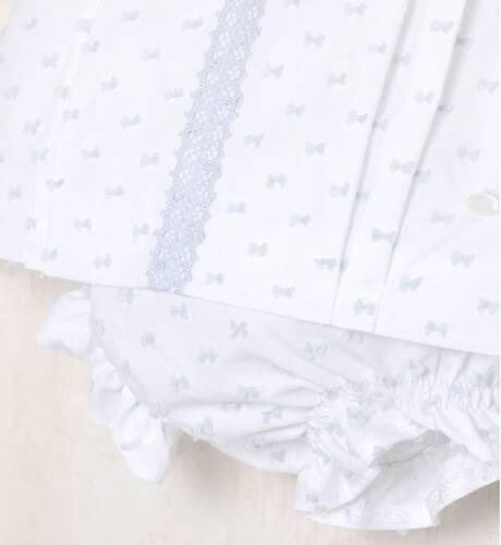 Jesusito plumeti blanco y azul de Micolino | Aiana Larocca