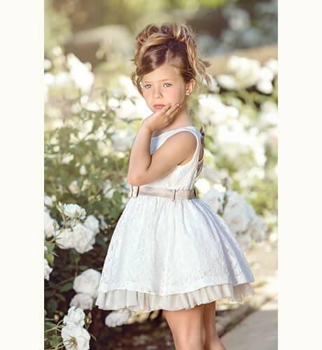 d5e0f6e8 Vestido niña bordado crudo con lazo de Nekenia | Aiana Larocca
