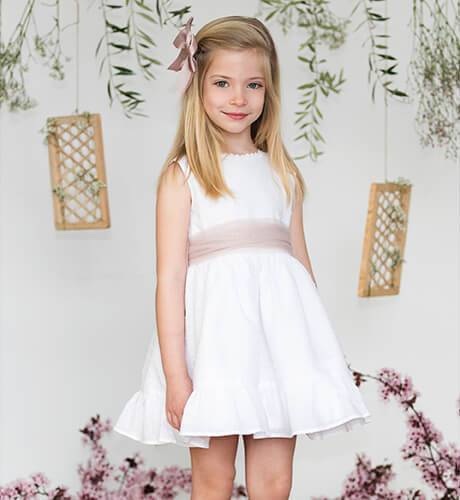 Vestido niña plumeti blanco lazada rosa empolvado | Aiana Larocca