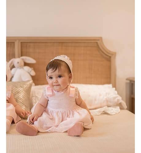 Jesusito bebe rosa puntilla bordada de Dolce Petit | Aiana Larocca
