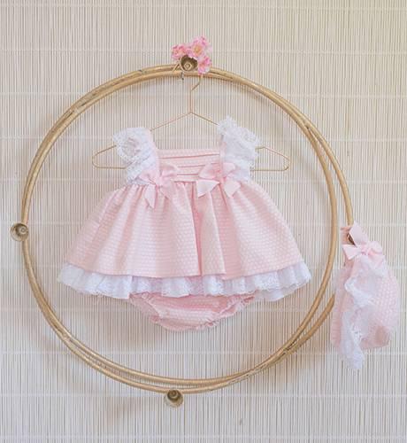 Jesusito bebé rosa pique puntilla hombros de Dolce Petit | Aiana Larocca