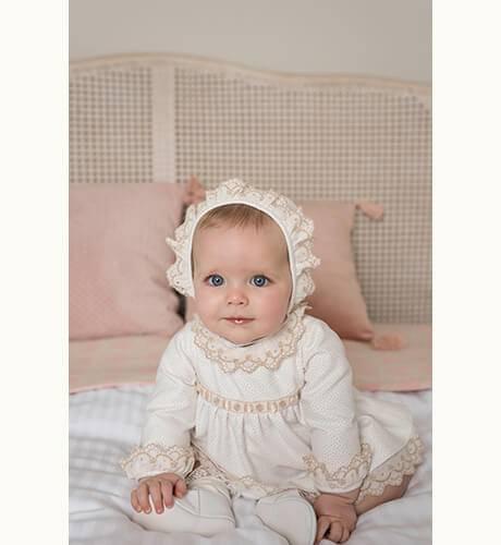 Jesusito bebe topitos camel de Dolce Petit | Aiana Larocca