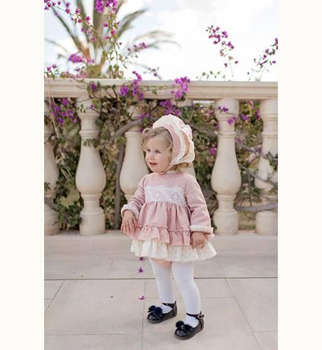 Jesusito bebe rosa con topitos y volante plumeti de Dolce Petit | Aiana Larocca