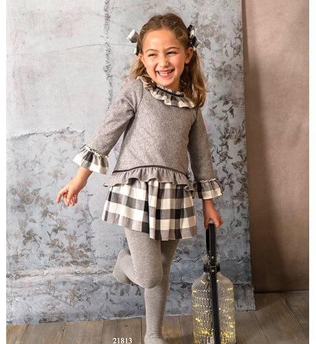 Vestido gris combinado con cuadros de Basmartí | Aiana Larocca