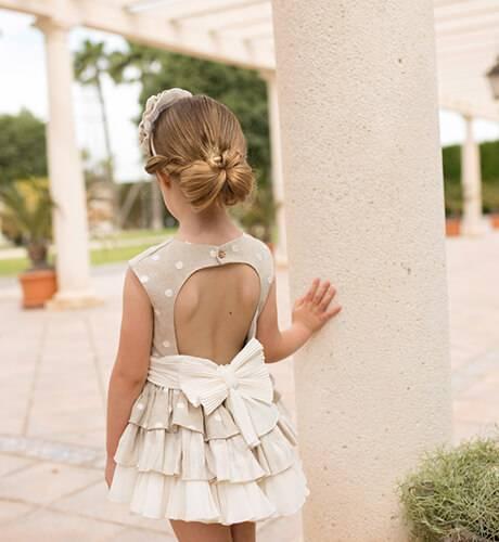 Vestido niña corte cintura tostado espalda abierta de Dolce Petit | Aiana Larocca