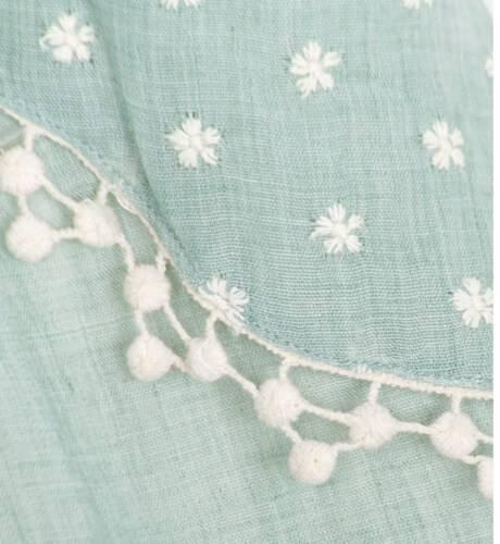Vestido verde bordado florecitas de Fina Ejerique | Aiana Larocca