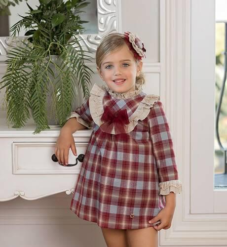 Vestido a cuadros beige y granate de Dolce Petit | Aiana Larocca