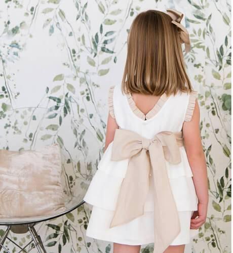 Vestido niña ceremonia lino volantes lazada avellana | Aiana Larocca