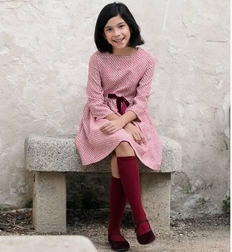 Vestido niña fresa en zigzag de Fina Ejerique | Aiana Larocca