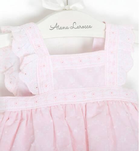 Jesusito bebe rosa tirantes con volantes de Dolce Petit   Aiana Larocca