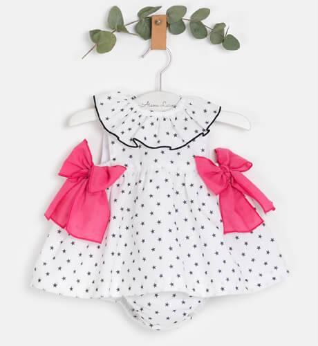 Jesusito bebé niña blanco estrellas negras & lazos fresa de Mon Petit Bonbon | Aiana Larocca