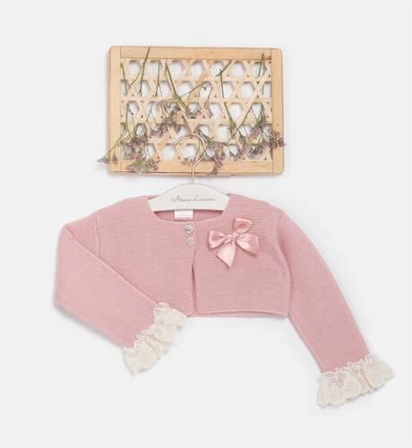 Chaqueta corta rosa & detalle puntilla y lazo de Valentina Bebés | Aiana Larocca