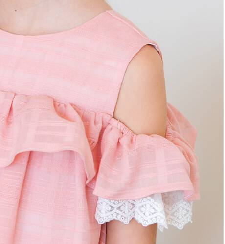 Vestido niña rosa volantes de Fina Ejerique | Aiana Larocca