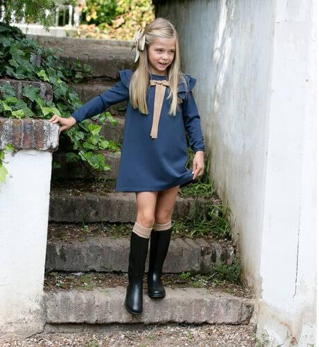Vestido evasé azul con volantes de Eve Children | Aiana Larocca