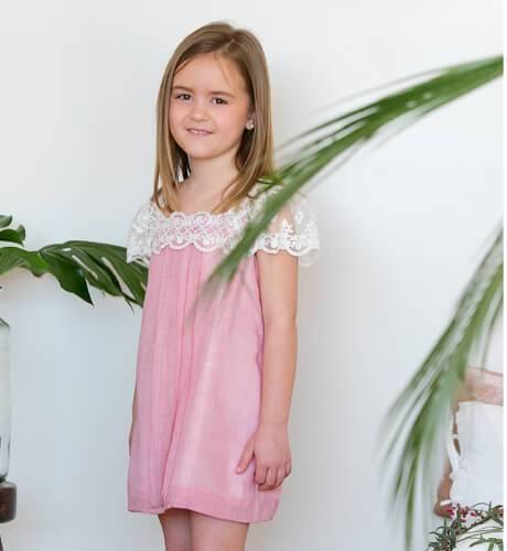 Vestido niña rosa con bordado de Nueces Kids | Aiana Larocca