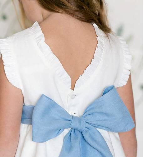 Vestido niña ceremonia lino volantes lazada azul | Aiana Larocca