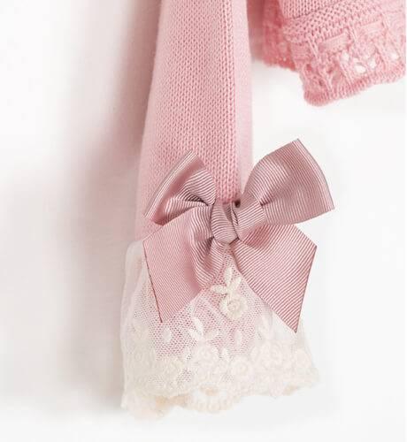Chaquetita rosa con puntilla y lazo de Valentina bebés   Aiana Larocca