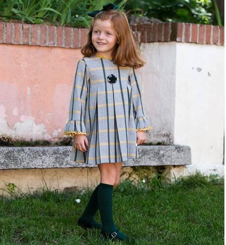 Vestido niña cuadros gris verde y mostaza de Cocote | Aiana Larocca