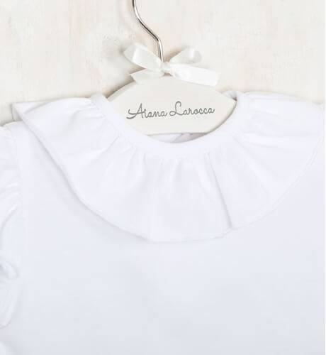 Blusa blanca punto camiseta cuello volante de Baby Yiro | Aiana Larocca