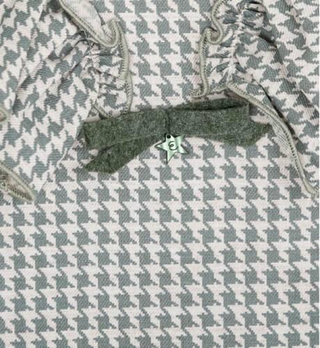 Vestido estampado verde con volantes de Eve Children | Aiana Larocca