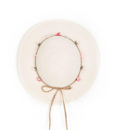 Sombrero niña trenza de cuerda y flores de Siena | Aiana Larocca