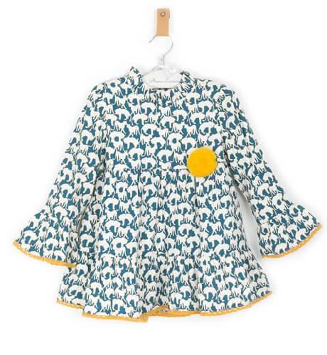 Vestido estampado animales pompón mostaza de Blanca Valiente | Aiana Larocca