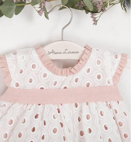 Jesusito bebé bordado & blanco rosa de Valentina Bebés   Aiana Larocca
