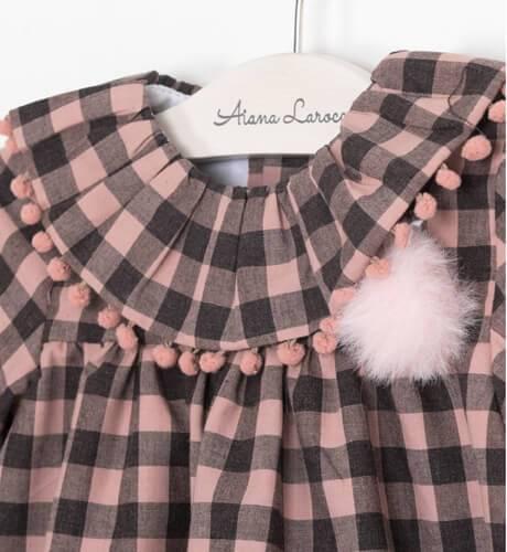 Vestido bebe a cuadros rosa y gris detalle pompon de Yoedu | Aiana Larocca
