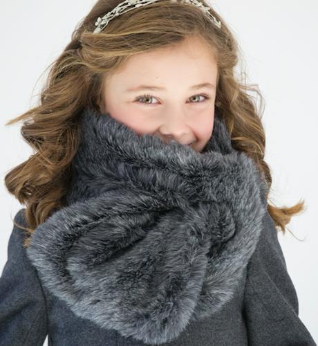 Bufanda pelo gris Nueces Kids | Aiana Larocca