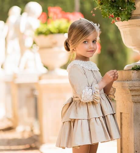 Vestido niña tostado cuello encaje de Dolce Petit | Aiana Larocca