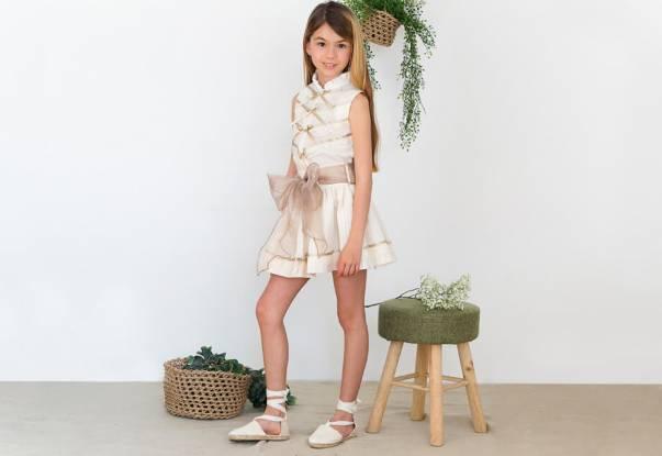 Conjunto blusa y falda con lazada de Nekenia   Aiana Larocca