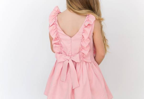 Vestido rosa con volantes de Nekenia 1   Aiana Larocca