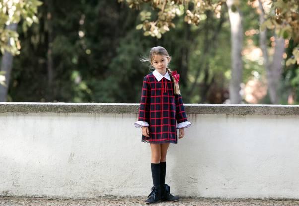 Vestido niña evasé cuadros marino y rojo cuello camisero de Dolce Petit | Aiana Larocca
