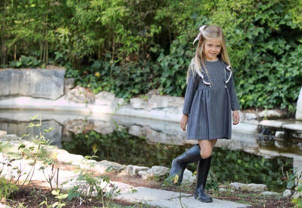Vestido niña gris a rayas de Foque | Aiana Larocca