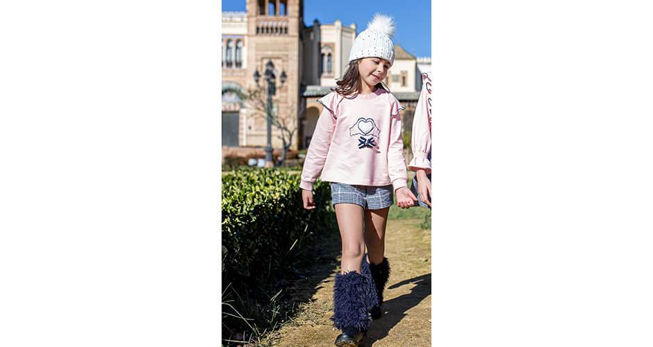 Conjunto niña sudadera rosa manos y short a cuadros de Nekenia | Aiana Larocca