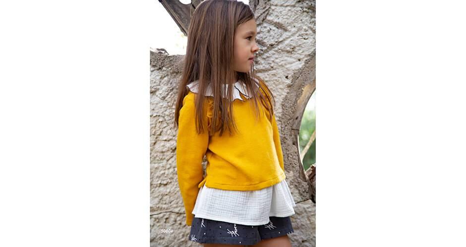 Conjunto short con blusa y jersey mostaza de Coco Acqua | Aiana Larocca