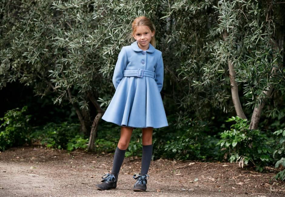 Abrigo niña muflon azul de Nekenia | Aiana Larocca