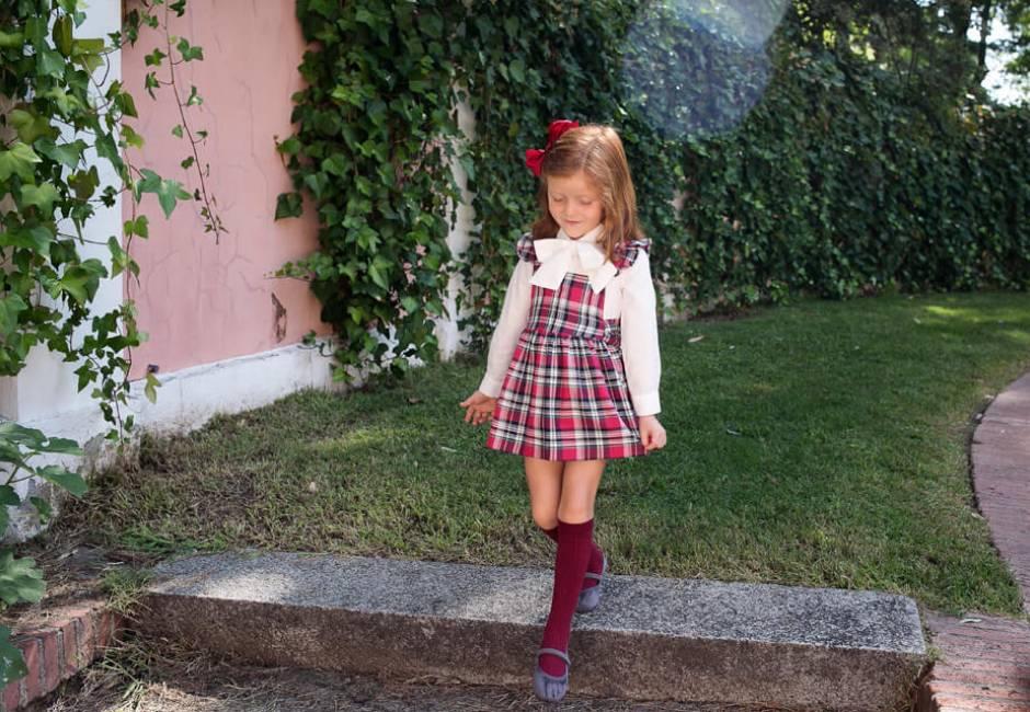 Pichi a cuadros rojo con camisa de Blanca Valiente | Aiana Larocca